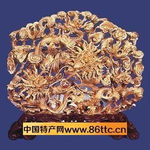 """建于唐代开元二十六年(738)的潮州开元寺中,留存有唐代木雕""""木鱼"""""""