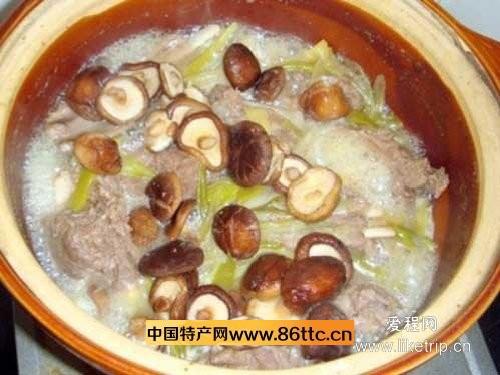 蘑菇炖羊肉